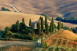 Tegan and Clark resort living in tuscany